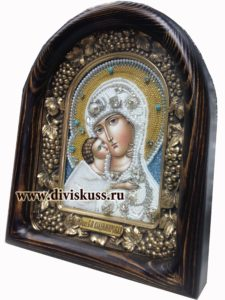 Купить икону вышитую бисером в Москве